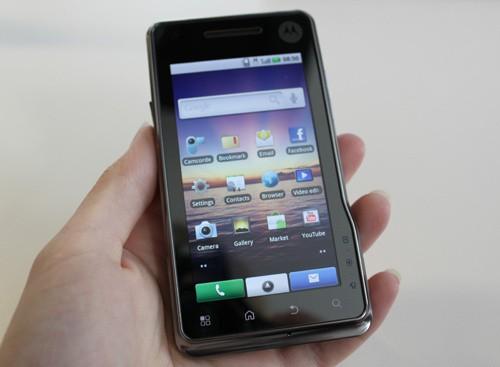 Motorola annuncia Milestone XT720