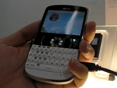 Acer beTouch E130, l'Android con anima Blackberry - Video