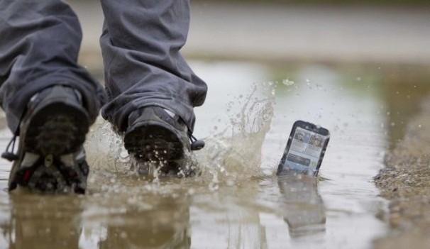 Motorola presenta MB525: lo smartphone resistente al ritmo della vita