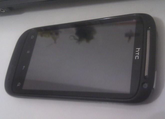 Il successore dell'HTC Desire riappare in foto, nome