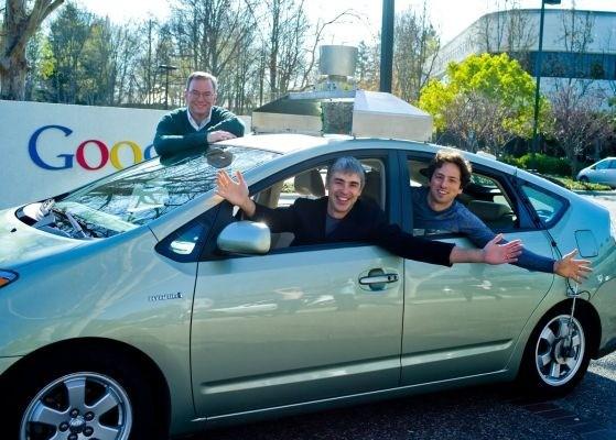 Google: Eric Schmidt lascia il posto di CEO a Larry Page