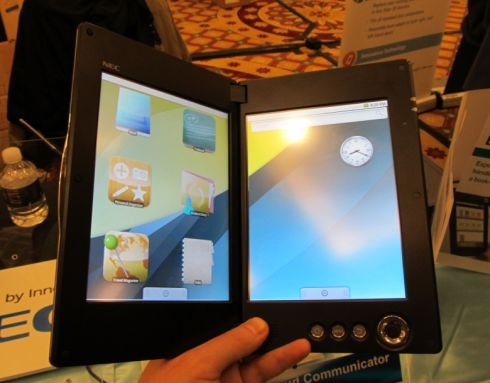 Primo sguardo al tablet Android dual screen di NEC