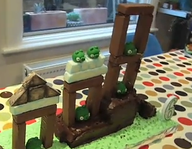 [Video] - Una nuova torta di AngryBirds