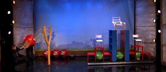 Conan O'Brien gioca ad Angry Birds.. nella vita reale! (video)
