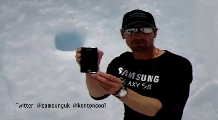 Samsung Galaxy S II e il tweet dal Monte Everest (video)