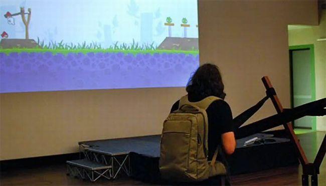 Angry Birds.. e la fionda interattiva! (video)