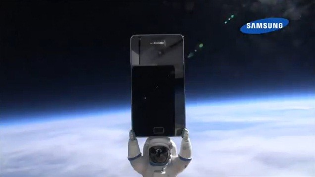 Samsung lancia il Galaxy S II nello spazio! (video)