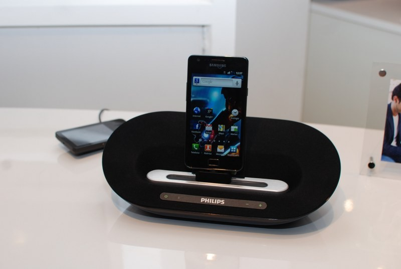 IFA 2011: Philips presenta nuovi dock speaker per Android