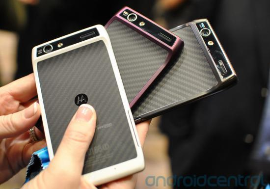 CES 2012 : Motorola Droid Razr White, Purple e Black