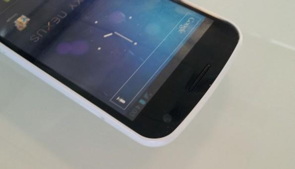 Samsung Galaxy Nexus White: ecco il primo video unboxing