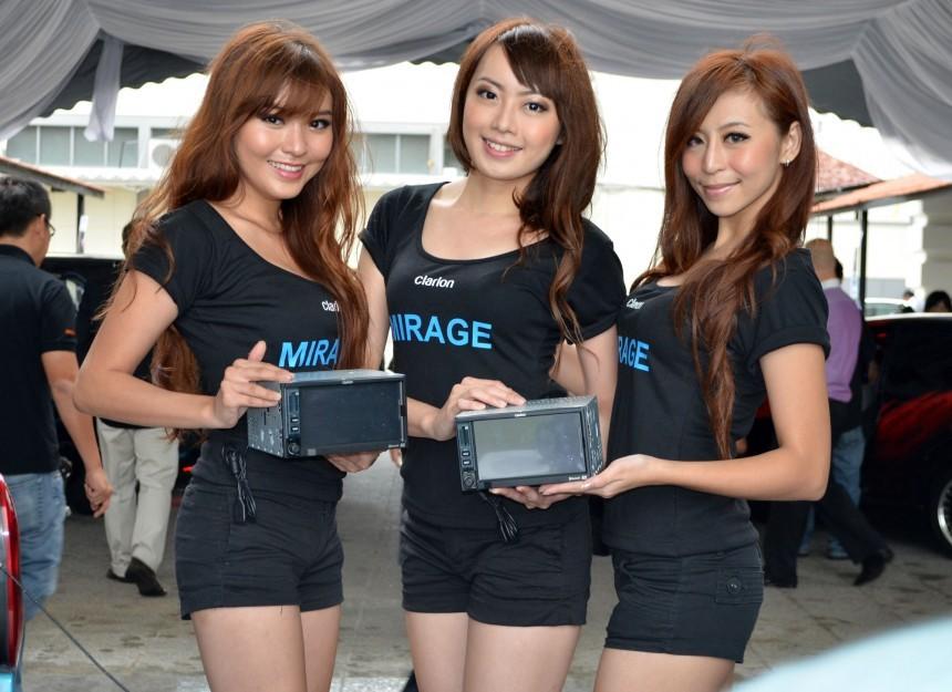 Clarion presenta Mirage: car-stereo con android e display da 6.5