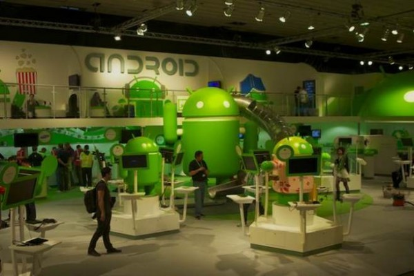 Mercato dopo MWC: Samsung e Motorola perdono, Sony ed Huawei migliorano