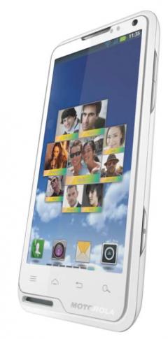 Disponibile da oggi in Italia il Motorola Motoluxe bianco!