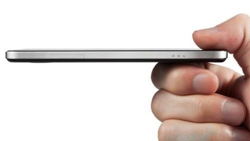 Ecco lo smartphone Android più sottile al mondo: Oppo