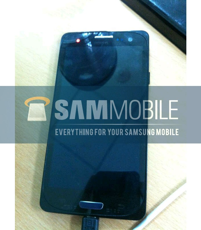 Samsung Galaxy S III si mostra in nuove foto
