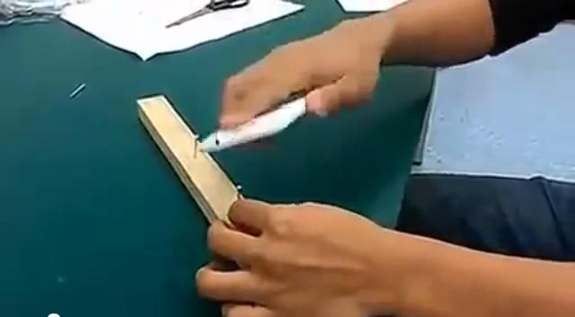 HTC One X usato come un martello