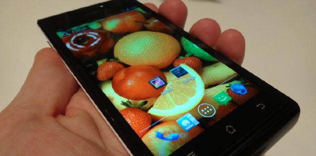 Huawei svela Ascend P1 XL con batteria da 2600 mAh