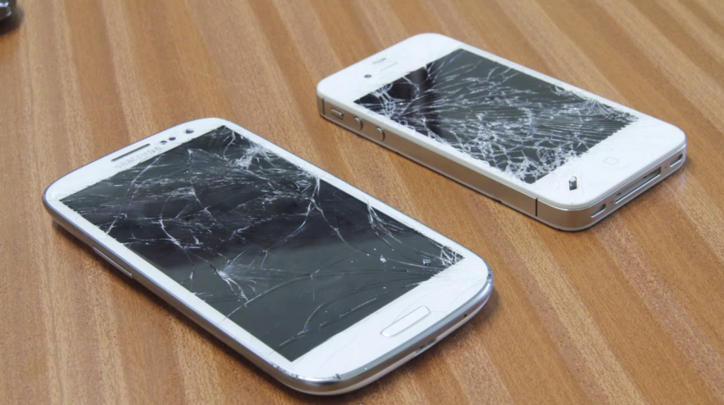 Galaxy S III Vs iPhone 4S [VIDEO DROP TEST]