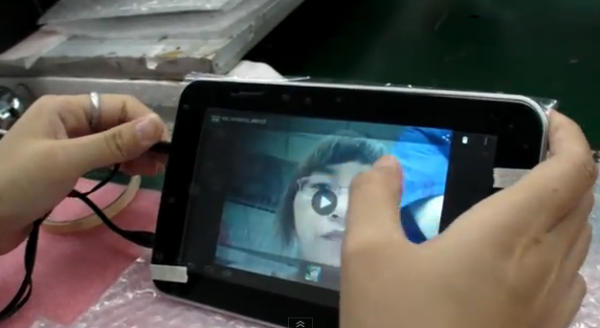 Ecco come in Cina viene assemblato e testato un tablet low-cost [VIDEO]