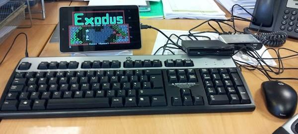 Ecco come giocare a vecchi videogame con un Nexus 7 e un lettore di Floppy Disk