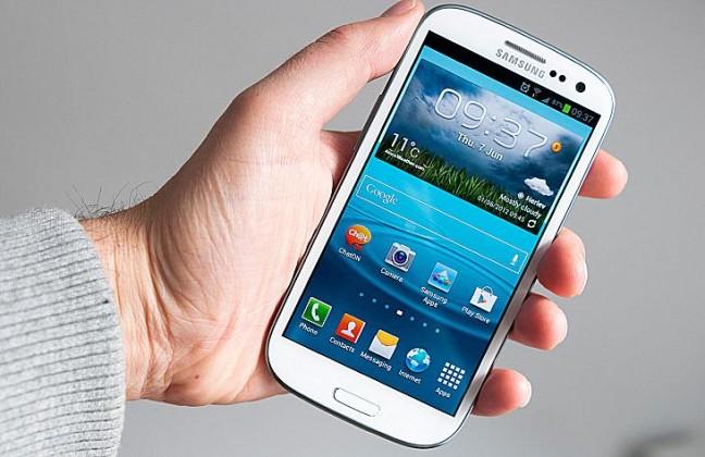 Galaxy S III: in Europa un aggiornamento toglie la ricerca locale [UPDATE]