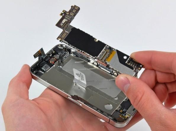 La guerra continua: Apple taglia gli ordini di chip Samsung