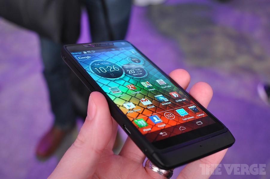 Motorola RAZR i: ecco le migliori qualità in video