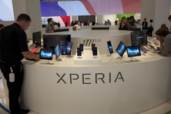 Sony Xperia E C1605: dual-sim, CPU da 1GHz con Ice Cream Sandwich