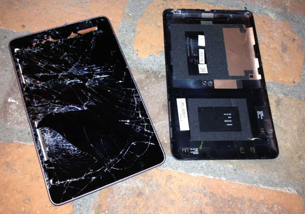Nexus 7: ecco un extreme drop test [VIDEO]