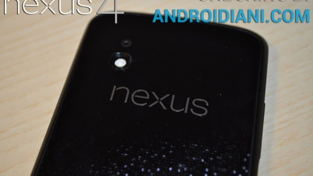Google Nexus 4: video-unboxing di Androidiani.com