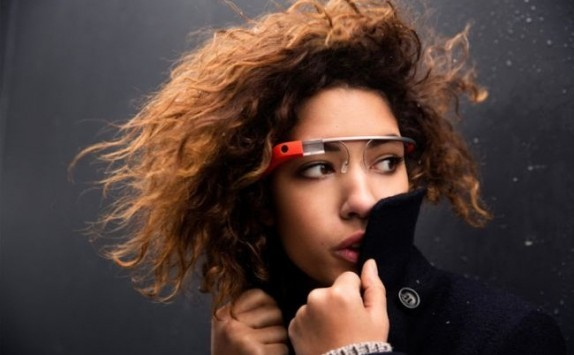 Google Glass: disponibile Fullscreen BEAM, l'app per caricare su YouTube i filmati registrati