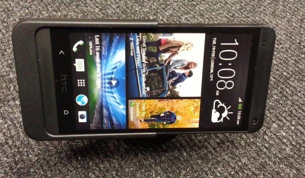 HTC One: ecco nuove foto degli accessori ufficiali