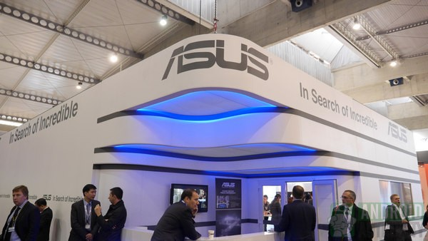 Asus si prepara a lanciare un nuovo tablet ibrido con Android e Windows 8
