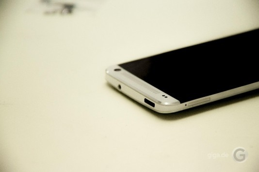 HTC One: il primo teardown mostra le componenti interne