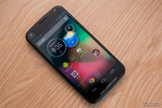 Motorola Moto X: il display sarà un AMOLED?