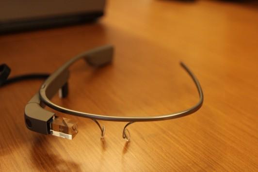 IHS: entro il 2016 verranno venduti 9 milioni di dispositivi simili ai Google Glass