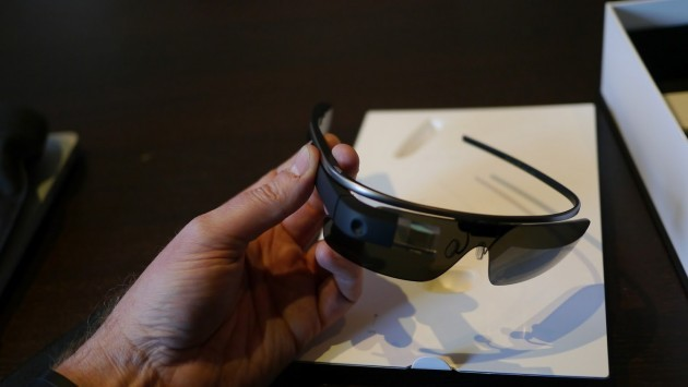 Google Glass: primo unboxing e video a bordo di un Go Kart