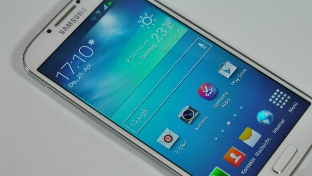 Samsung Galaxy S IV: una serie di test rivelano essere più fragile del Galaxy S III e iPhone 5