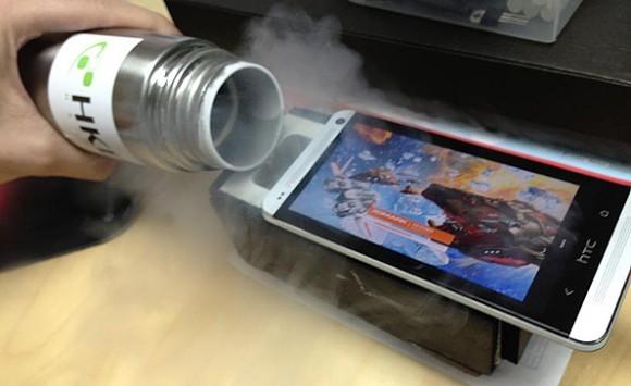 HTC One e l'overclock tramite azoto liquido
