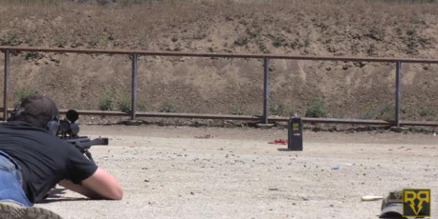 HTC One vs Fucile Cal.50: un test di resistenza impossibile da vincere