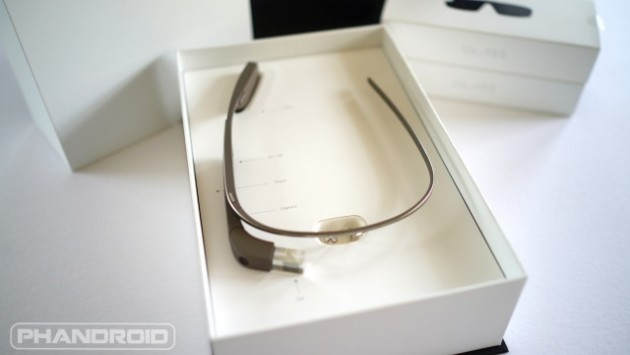 Google Glass: un nuovo video mostra la vera interfaccia utente