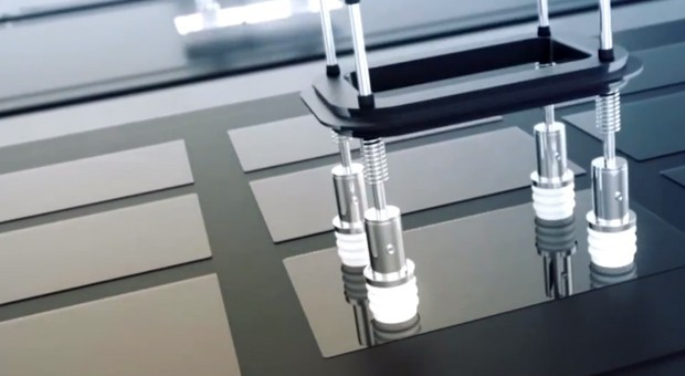 Corning lancia il Lotus XT Glass: vetro più resistente e luminoso per i nuovi dispositivi