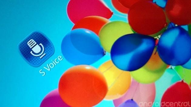 Samsung Galaxy S4: S-Voice sfida il rivale Siri