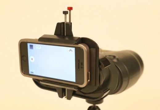 [VIDEO] Zoom ottico per tutti: ecco Snapzoom, per usare binocoli e telescopi con lo smartphone