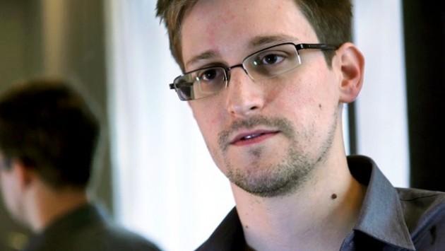 Edward Snowden fa tappa a Mosca ma presto potrebbe arrivare in Ecuador per asilo politico
