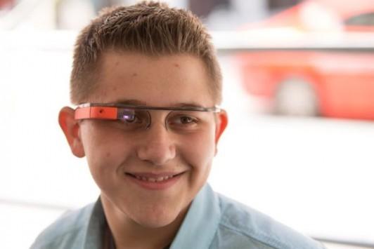 Google Glass: presto anche per daltonici e sordi?