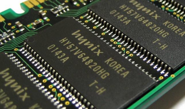 SK-Hynix-RAM-memory-chip