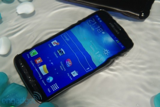 Galaxy S4 Zoom, Galaxy S4 Active e Galaxy S4 Mini: ecco i primi hands-on