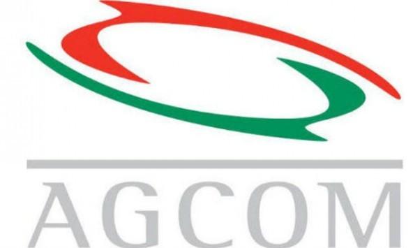 AGCOM, i dati sul mercato mobile in Italia nel 2014: meno SIM e Vodafone in calo