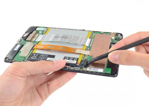 iFixit mette a nudo il nuovo Nexus 7 e Chromecast